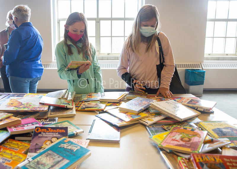 Book Shopping with McPolin Students – The Park Record