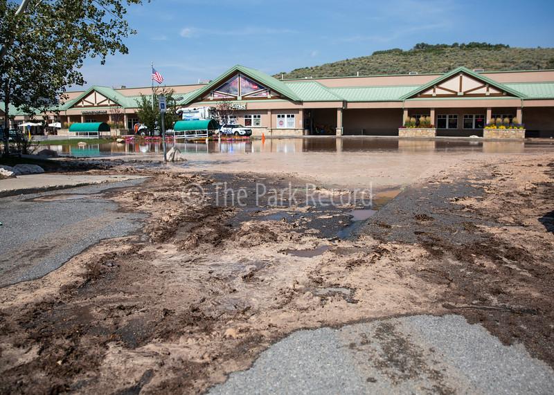Waterworks break at Snow Creek Plaza prompts emergency response – The Park Record
